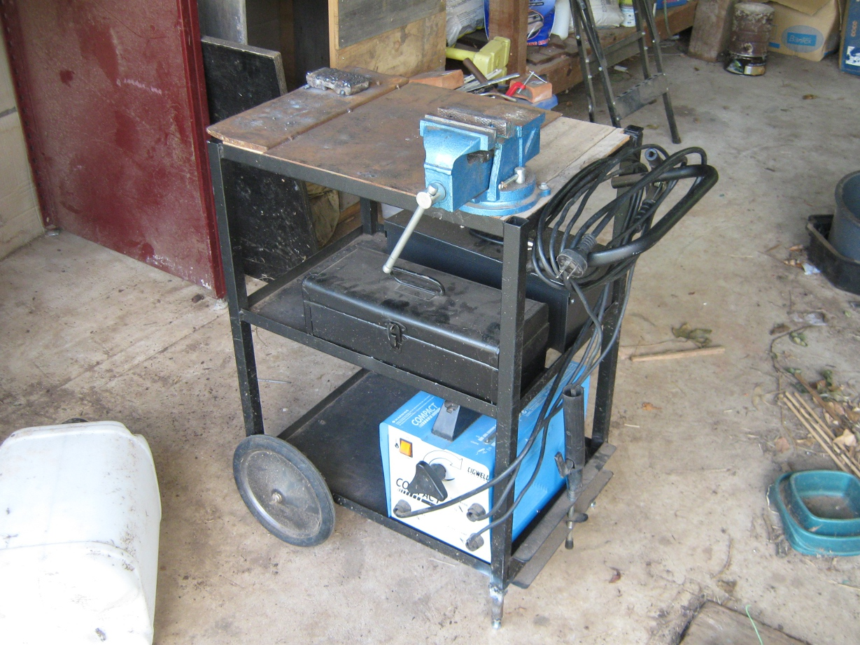Welding bench mod ditching the casters diy data for Easy entry cart plans