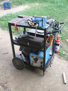 Welding cart with fire extinguisher