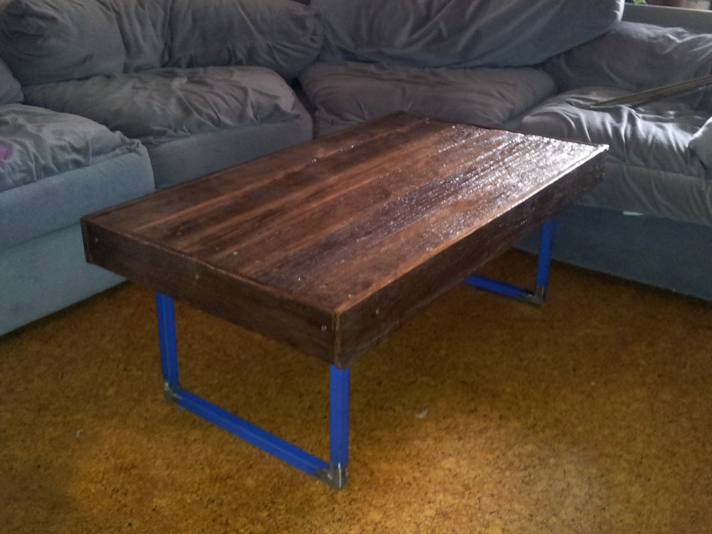 diy recycled wood coffee table | Quick Woodworking Projects