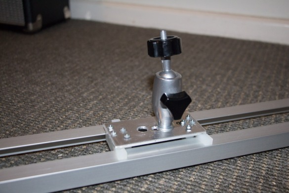 Here is a close up of th sliding platform, giving a general view of how its constructed